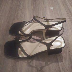 Hillard and Hanson NWOT heeled sandals